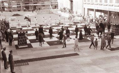 Human Chess.jpg